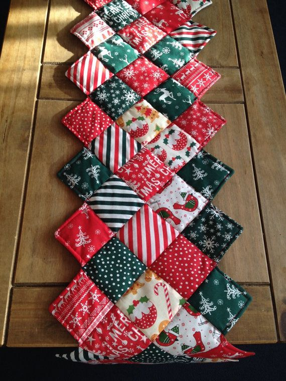 Christmas decorations, Christmas table runner, traditional Christmas table runner, xmas decorations, xmas table runner, table runner xmas