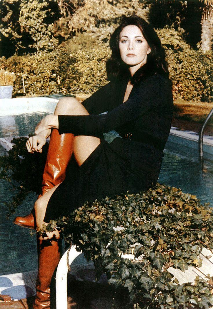 MeTV Network | 11 candid shots of Lynda Carter behind-the-scenes of 'Wonder Woman'