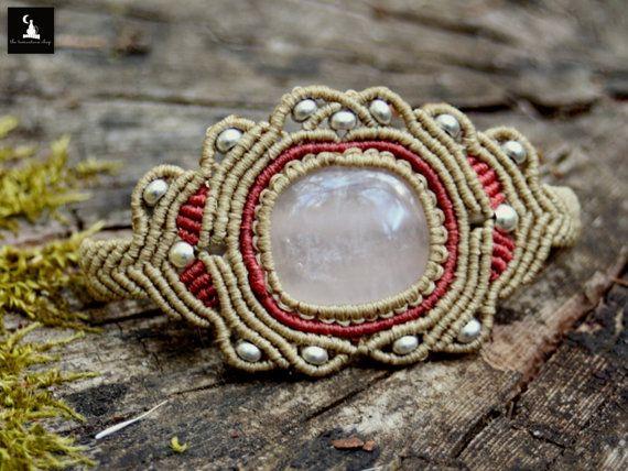Bracelet en macramé Quartz rose Quartz par TheTomentosaShop sur Etsy