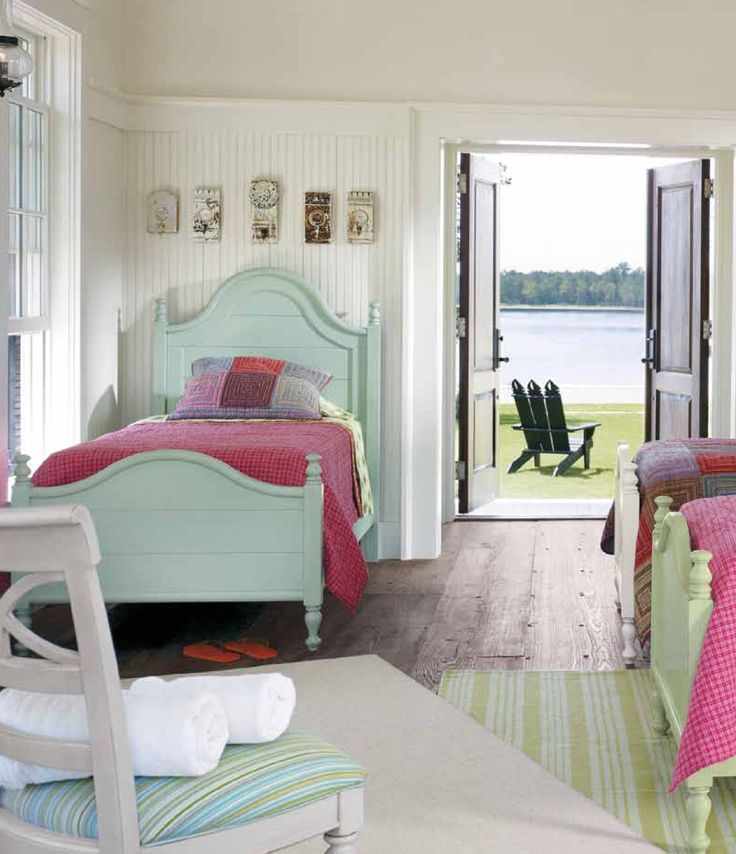 Cottages often have quirky, little spaces. How nicely this twin bed fits into the plan.