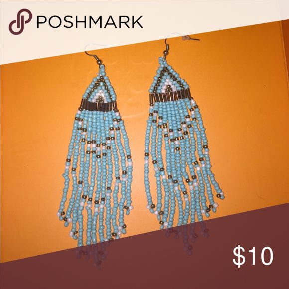 Turquoise beaded earrings Love these earrings, would be great to add to an outfit to add some color!! Jewelry Earrings