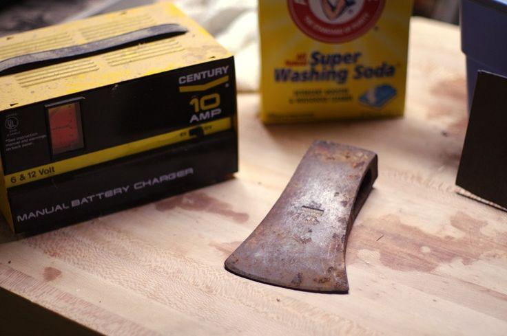how to throw an axe underhand
