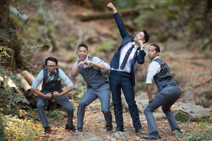 14 GROOMSMEN POSING CUES FROM 14 OUTSTANDING WEDDING PHOTOGRAPHERS #photography #weddingphotography https://www.slrlounge.com/12-groomsmen-posing-cues-from-12-outstanding-wedding-photographers/