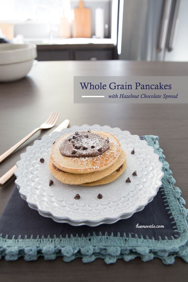 Gush-worthy Whole Grain Pancakes with Hazelnut Chocolate Spread - Bueno Vida: Food Recipes, Whole Grains Pancakes, Bloggers Friends, Chocolates Spreads, Food Bloggers, Healthy Low Süßkram, Healthy Food, Delicious Food, Whole Grain Pancakes