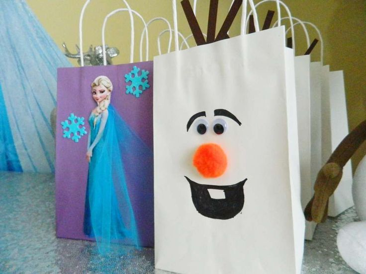 Fun Favor Bags At A Frozen Birthday Party See More Party Planning Ideas At C