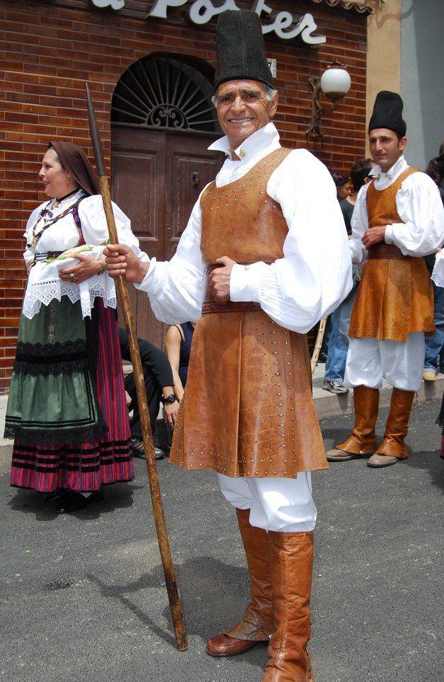 318 Best AbitoTradizionale Sardo *** Sardinian Traditional