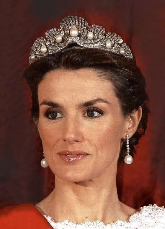 Letizia, Queen of Spain, wearing the Mellerio Shell Tiara when she was Princess of Asturias