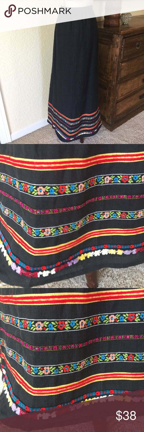 Super cute maxi skirt 🌼 Maxi skirt with colorful trims! Super cute. Beautiful linen fabric underlined. Skirts Maxi