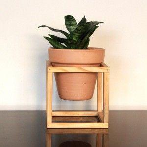Vaso cerâmica nº03 em suporte de madeira