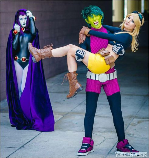 Teen Titan's Raven and Terra featuring @chrisvillain as Beast Boy, photo by @yorkinabox #cosplayclass #cosplay