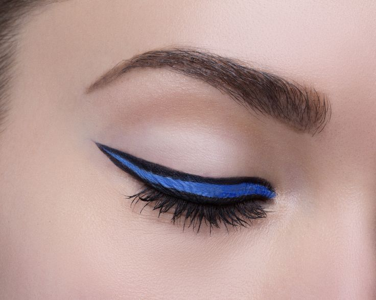 This 4th of July weekend, make your cat eye even fiercer by filling it in with Maybelline Lasting Drama Gel Pencil in 'Lustrous Sapphire'. The pop of blue is the perfect summer makeup look for a backyard barbecue or evening of fireworks and s'mores making. Pair it with a glossy nude lip or go full bold with a bright pink pout.
