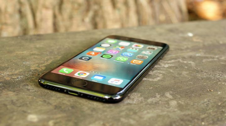 iPhone 8 release date news and rumors Read more Technology News Here --> http://digitaltechnologynews.com Update: Rumors of a curved OLED screen are growing and there's talk that it could be very high resolution. Plus Apple might add 3D effects to the iPh