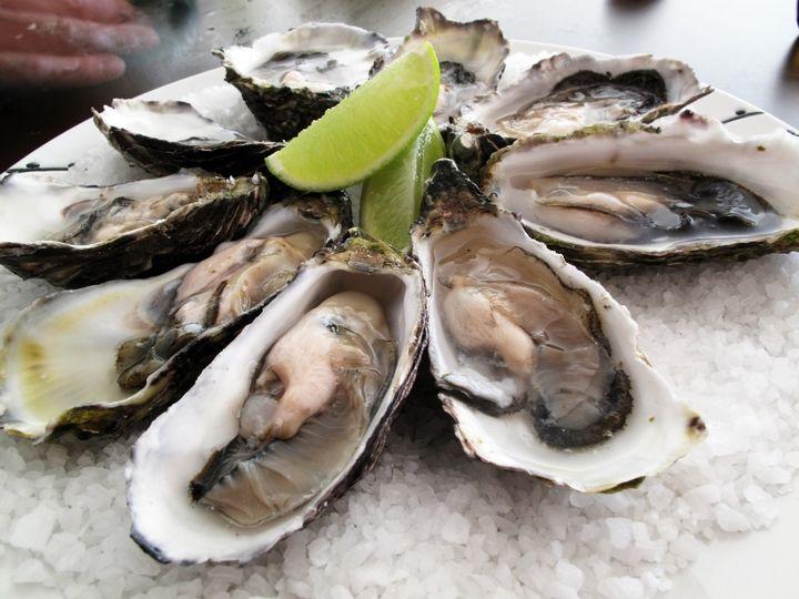 Ostrygi - 10 potraw, które musisz spróbować będąc w Chorwacji || http://crolove.pl/10-potraw-ktore-musisz-sprobowac-bedac-w-chorwacji/ || #Chorwacja #Croatia #Hrvatska #CroatianFood #FoodPorn