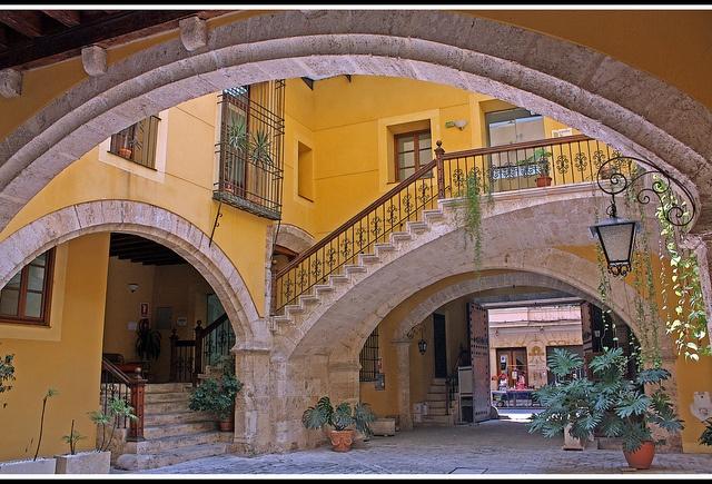 Valencia, patio en la Calle Caballeros.