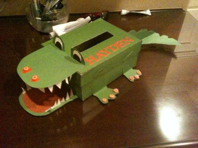 valentines day box alligator