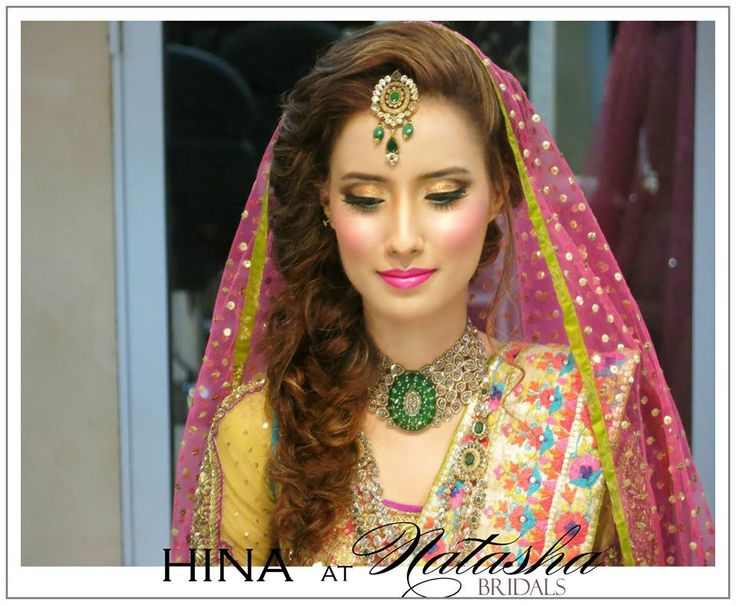 Mehndi Hairstyles With Tikka : 191 best natasha's brides images on pinterest bridal gowns