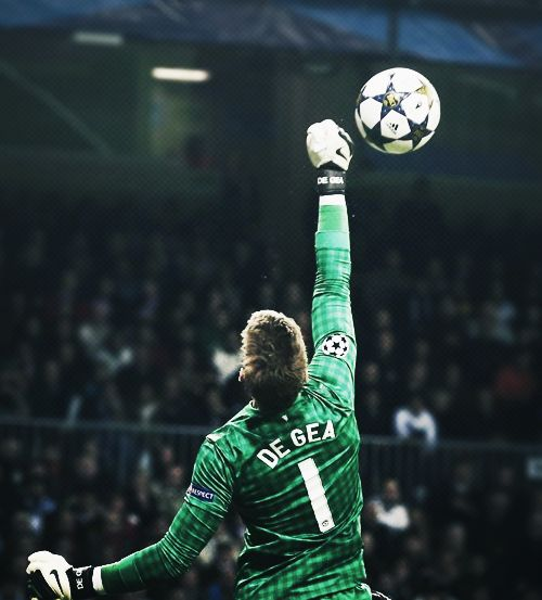 David De Gea in UEFA Champions League action for Manchester United.