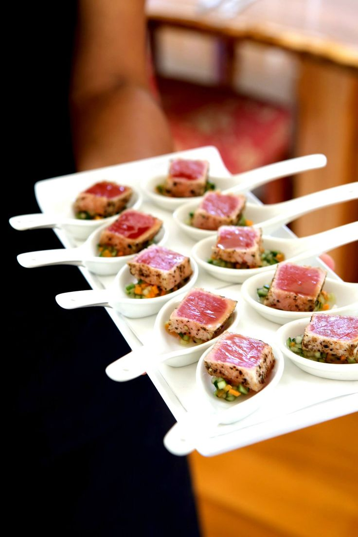Canapes cocktail seared tuna with pickled vegetables for Wedding canape ideas