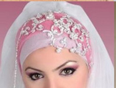 accessories of hijab for a beautiful moment