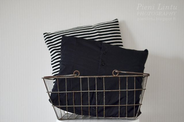 http://pienilintu.blogspot.fi/2014/02/diy-upcycled-shirts-into-cushions.html