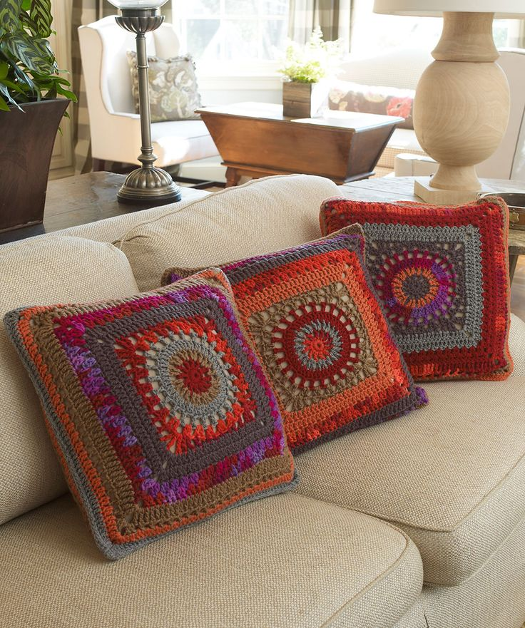 Circle in the Square Pillows Crochet Pattern  #redheartyarns  #crochet