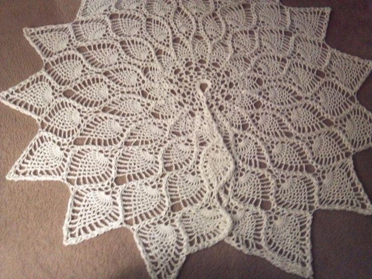 christmas tree skirt crocheted pineapple tree skirt my design - Large Christmas Tree Skirts
