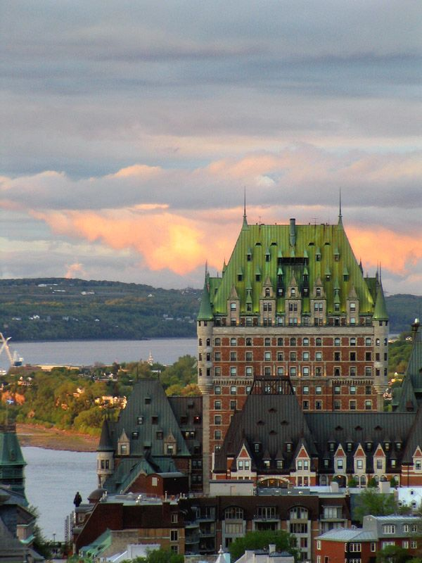 Château Frontenac at sunset, Quebec, Canada (by edji)