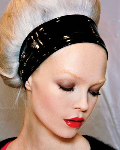Best In Show Hottest Hair And Makeup Looks For Fall Black Headband Makeup Trends And Makeup
