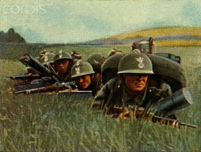 Polish infantry with heavy machine guns in the battlefield. Capacity is 800 shots per minute. 1934