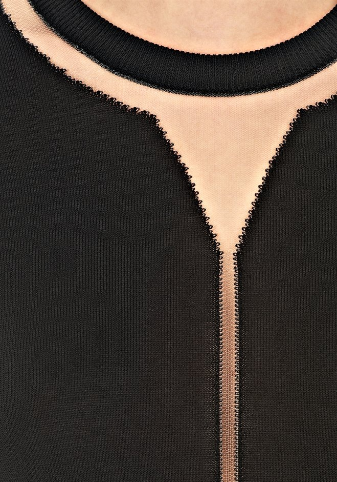 Floating Spine Pullover Thumb