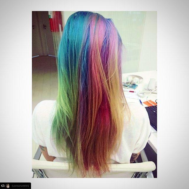 #RepostPlus @sanseverini with @RepostPlus ... #rainbowhair de verdade, mas de verdade mesmo, tá pensando o que?! #novoarte #CabelosColoridos #haircolor #unicornhair #mermaidians by @kito_bo