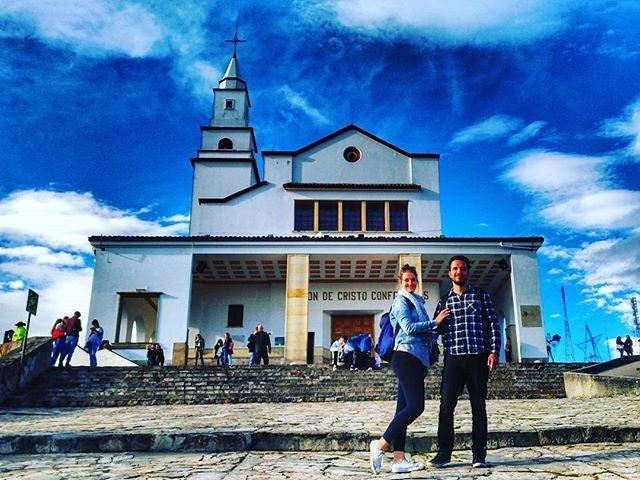 Santuário de Monserrate em Bogotá com seus 3200m de altitude. Lugar cheio da cultura de Bogotá e com a vista mais linda da cidade. @bogotapass #bogota #idtbogota #colombia #america #americadelsur #americadosul #latin #amobogota #latinamerica #vivacolombia #igbogota #igersbogota #lovebogota #igcolombia #igerscolombia #ciudaddebogota #bogotacity #blogdeviagem #travelblog #travel #passionpassport #viajar #trip #bogotaturismo #colombianos #lovetotravel #monserrate #monserratebogota #teleferico…