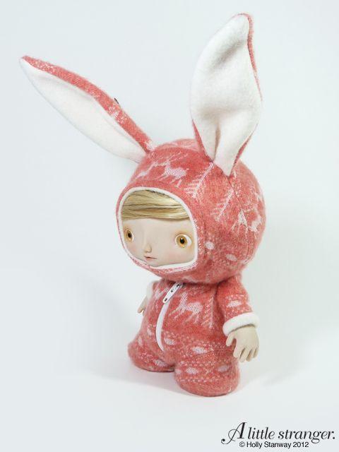 Info on the blog: http://www.alittlestranger.com/wordpress/2012/06/the-reindeer-pyjamas-custom-7-munny/