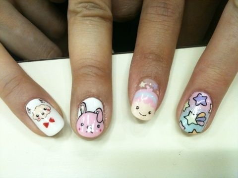I want my nails to look like these!!!!!!!!!!!!!!!!!!!!
