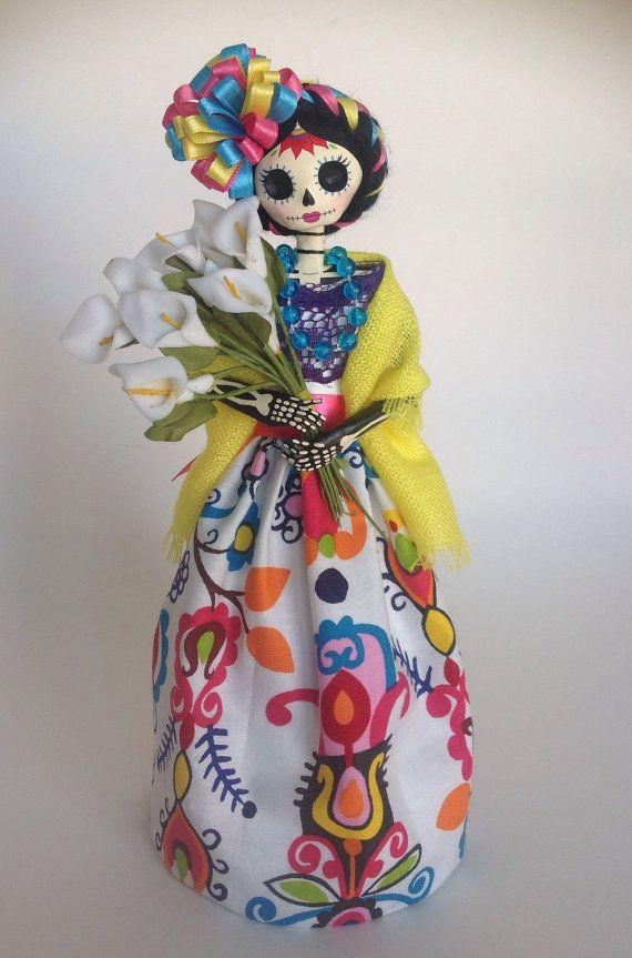Catrina mexicana con alcatraces. Paper mache por LaCasaRoja en Etsy