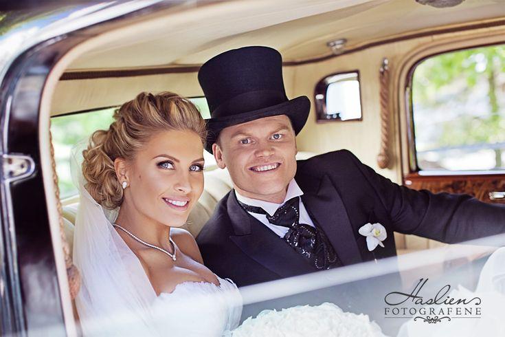 Wedding. Haslien Fotografene var hyret inn av brudeparet selv som deres bryllupsfotograf.