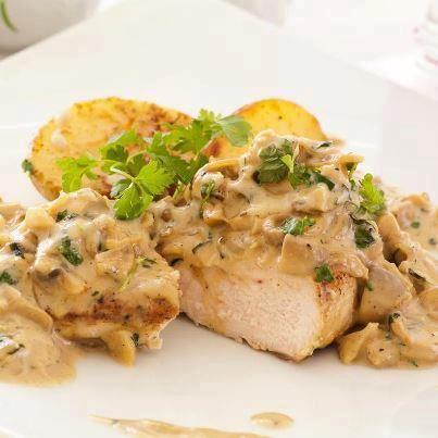 Découvrez notre recette de Poulet aux champignons, sauce moutarde