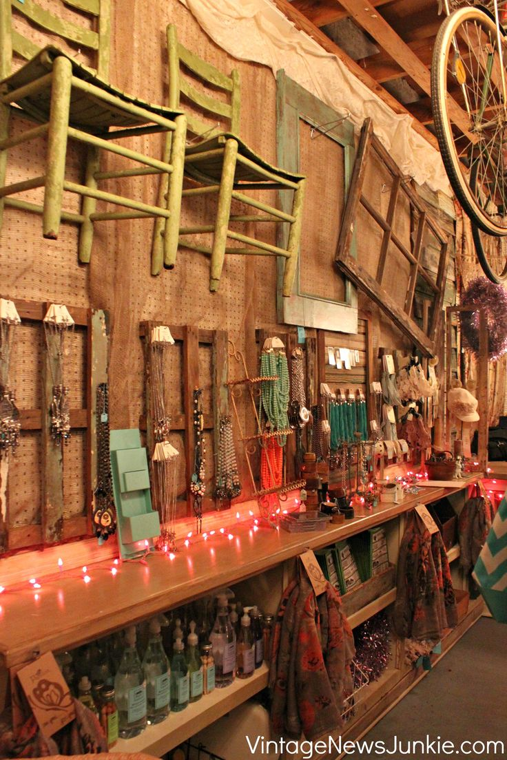 Dreamy vintage junk shop ideas for decorating your own for Decoration vendors