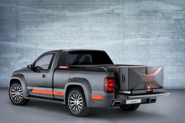 VW Turns the Amarok Power Concept into a 5,000-Watt Mobile Disco for Wörthersee - Pic 2