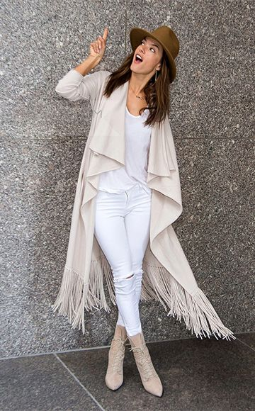Alessandra Ambrosio wearing a ThePerfext Bushwick Cashmere Sweater ...