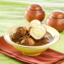 TELUR MASAK KELUAK http://www.sajiansedap.com/mobile/detail/18731/telur-masak-keluak