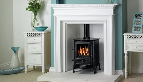 recessed stove - love the accent color and the white, but it probably wouldn't stay white, would it?