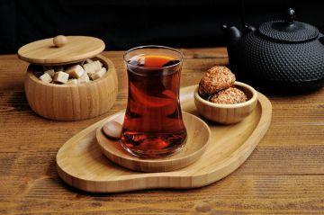 Ona, bir bardak çayı dahi özenle hazırlayın. Bambum Santos S Design Tepsi-Orta #tepsi #çay #sunum