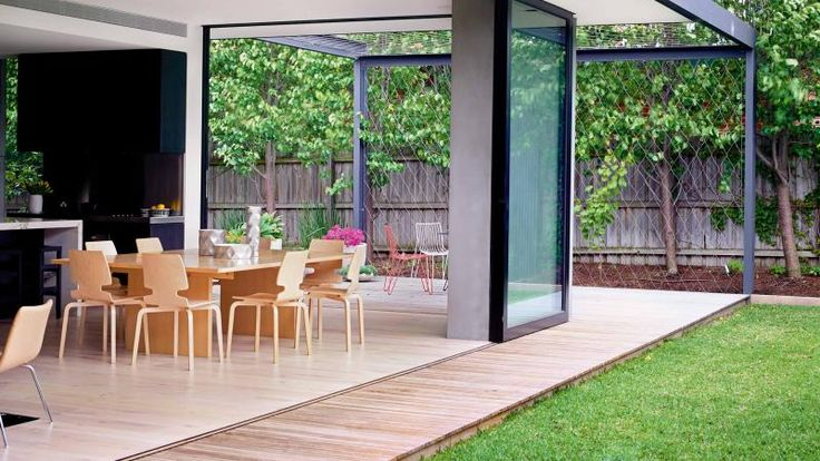 12 indoor/outdoor ideas for a stunning entertaining area. Styling by Rachel Vigor. Photography by Derek Swalwell.