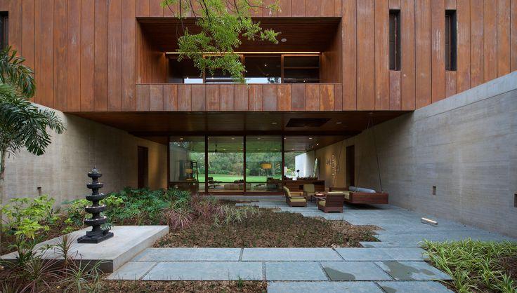 Galeria de Casa DIYA / SPASM Design Architects - 20