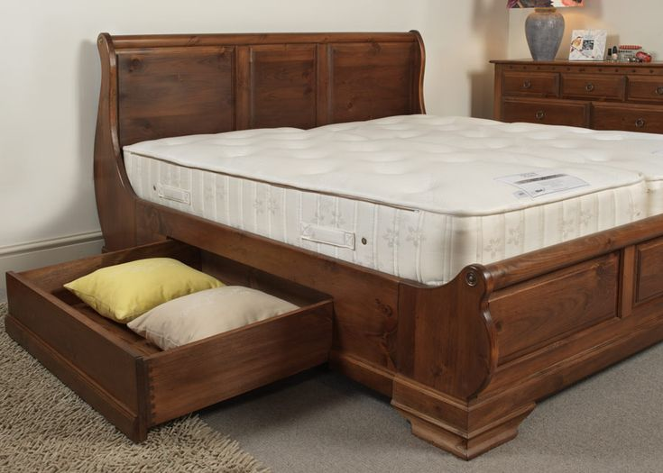 In the heat of a Mediterranean summer, nothing is rushed. Exactly like the precise craftsmanship that goes into our hand-crafted, solid wood Monaco sleigh bed