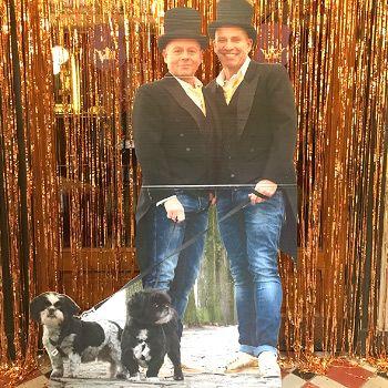 Lifesizers® Duo! Lifesizers zijn er ook in duo vorm! Tot een breedte van wel 130 cm en een hoogte van 190 cm is elk duo op levensgroot formaat uitvoerbaar! Zo is deze Lifesizer het middelpunt geweest op een bruiloft!