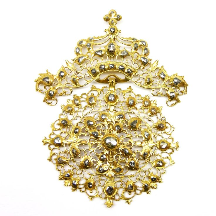 17th century rose diamond and gold openwork scrollwork cluster pendant, Portuguese c.1680