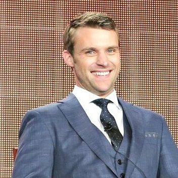 Jesse Spencer Talks Chicago Fire, His Relationship With Dawson, and Dating in Chicago: Glamour.com