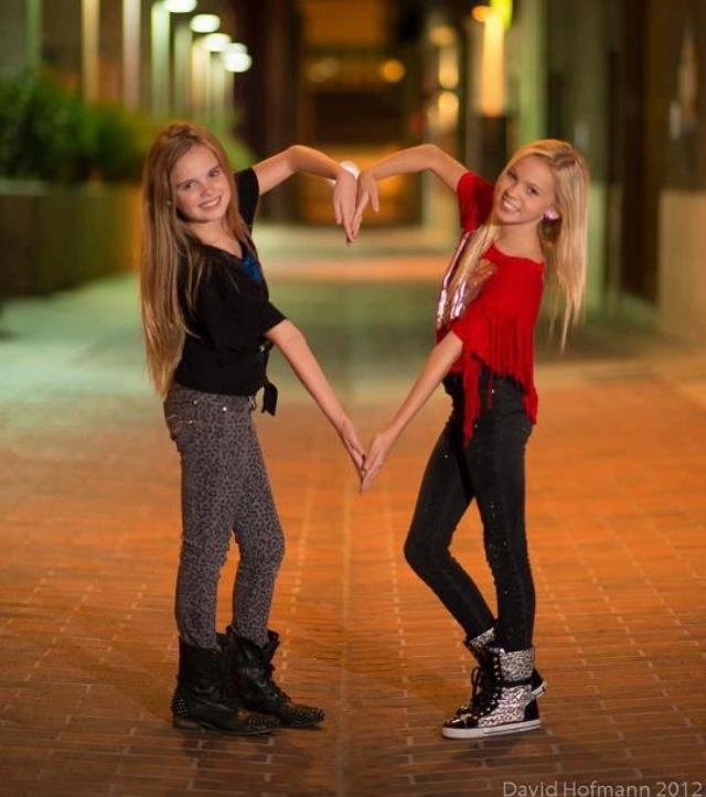 Mia Diaz and jordyn jones